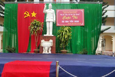 """Cuộc thi """"Đua xe gia tốc"""" tại trường THPT Phạm Văn Đồng"""